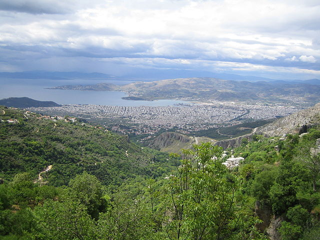 640px-Volos_view_from_Pelion