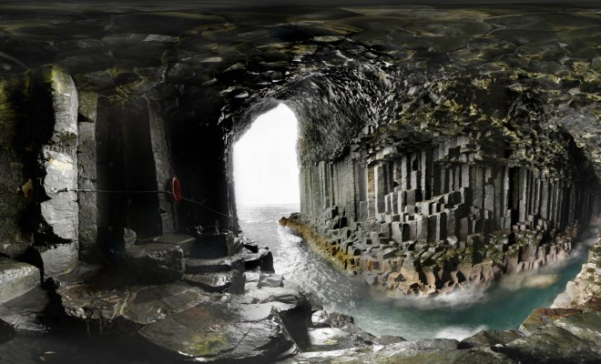 Fingals_Cave_main2