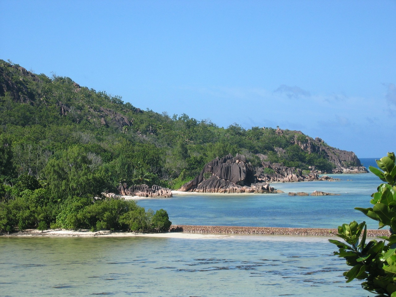 sey-island-168875_1280