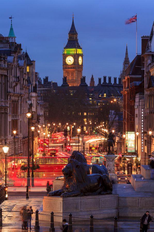 0Night Speed - Trafalgar Square, London