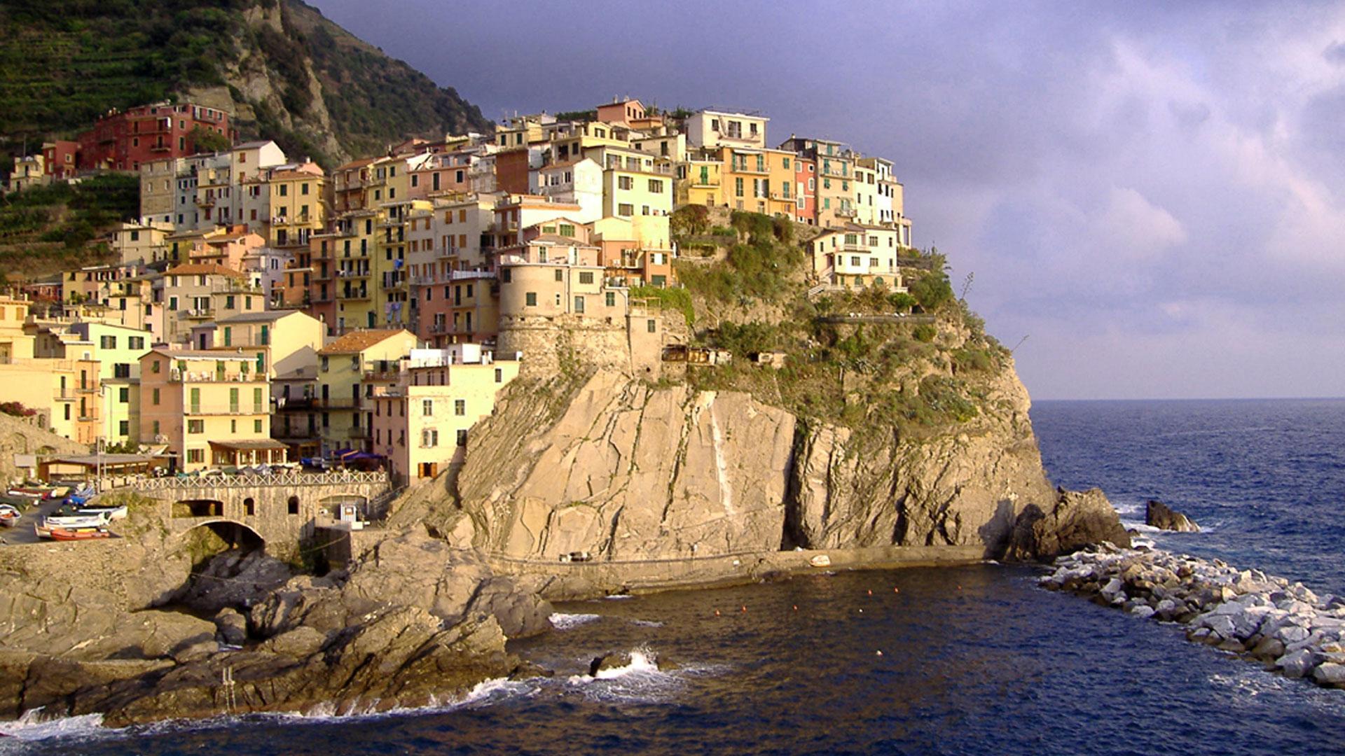1-Cinque-Terre-extraordinary-beauty