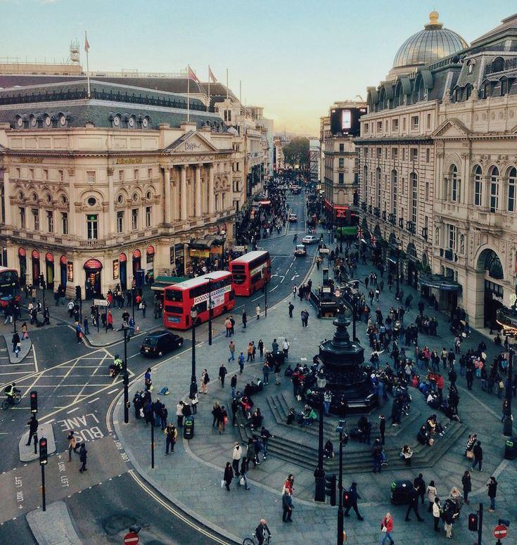 2Piccadilly Circus