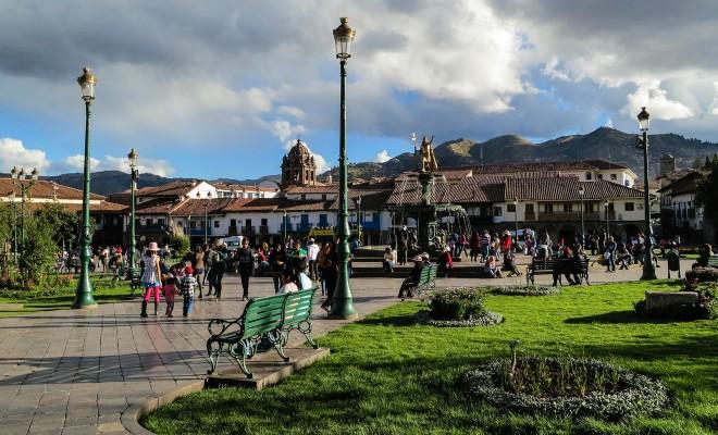 cusco-plaza-de-armes-698913