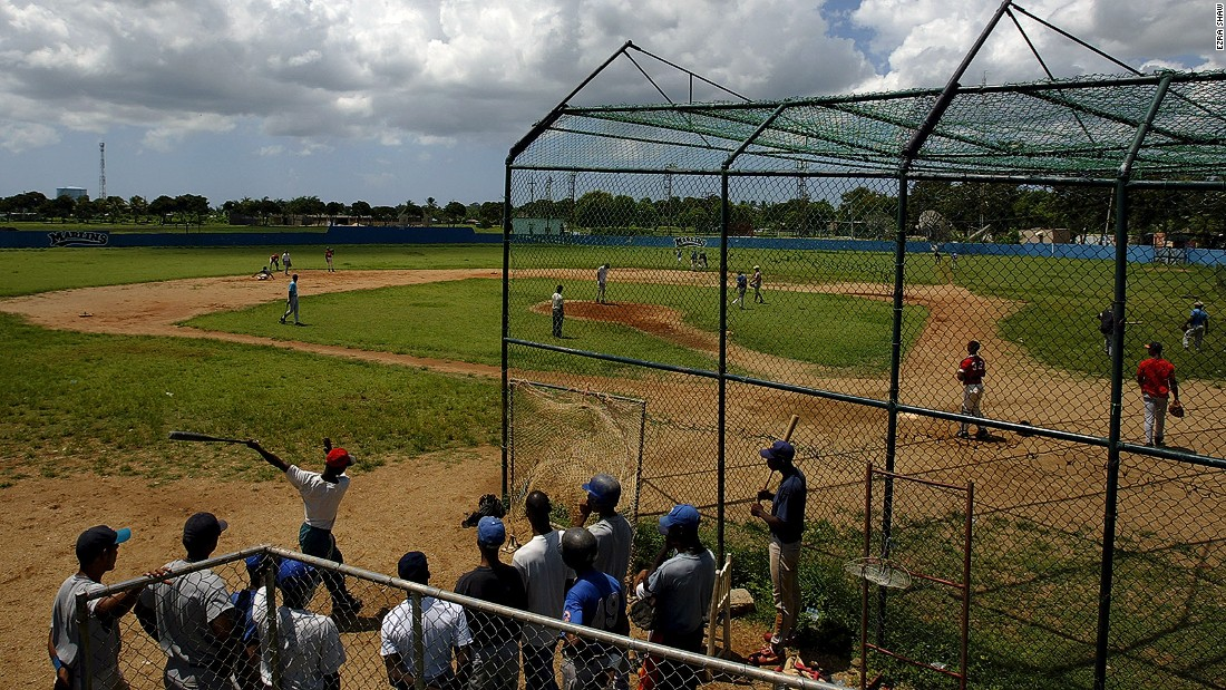 Игрище за бейзбол - една от най-популярните игри в страната