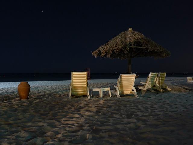 beach-210841_640