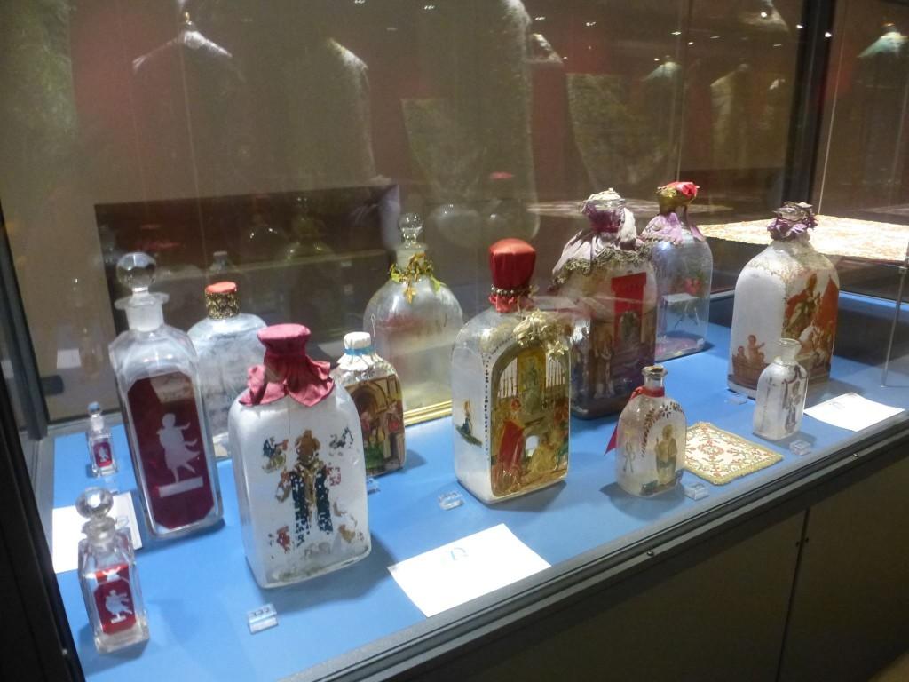 През средновековието в шишенцата с образа на св.Николай са сипвали отрова.