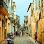 Противоречивата Хавана в 30 невероятни снимки