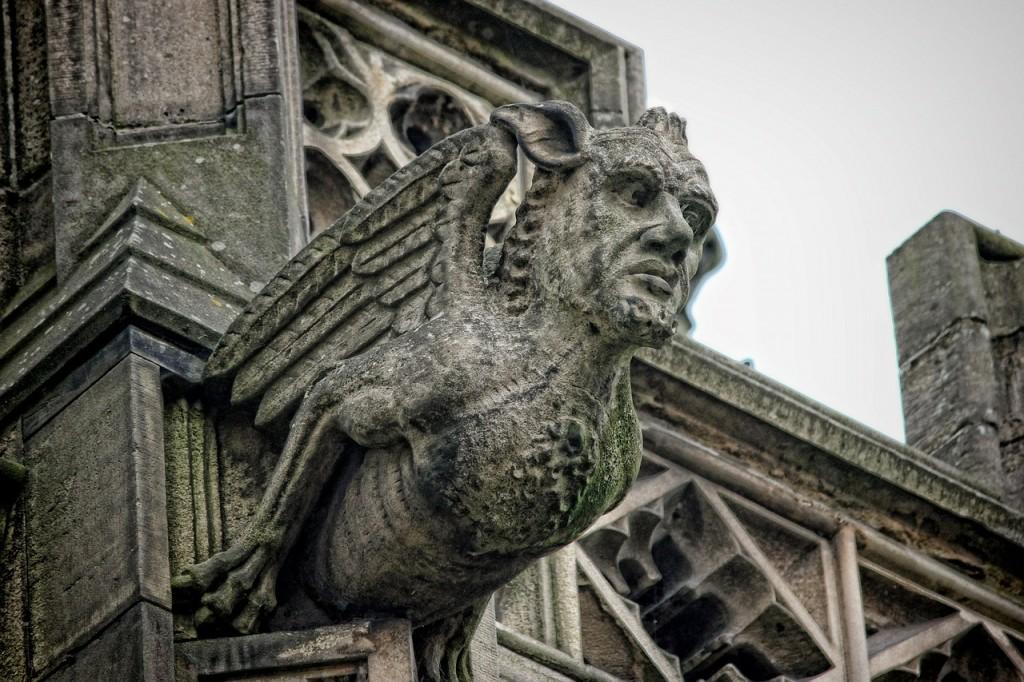 manchester-gargoyle-72907_1280