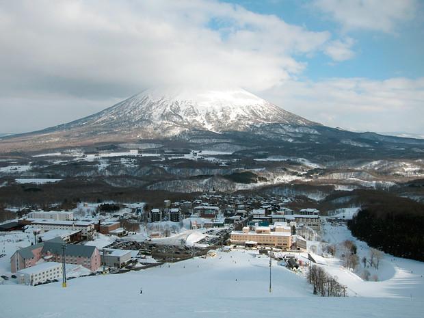04_niseko-japan-snowiest-places