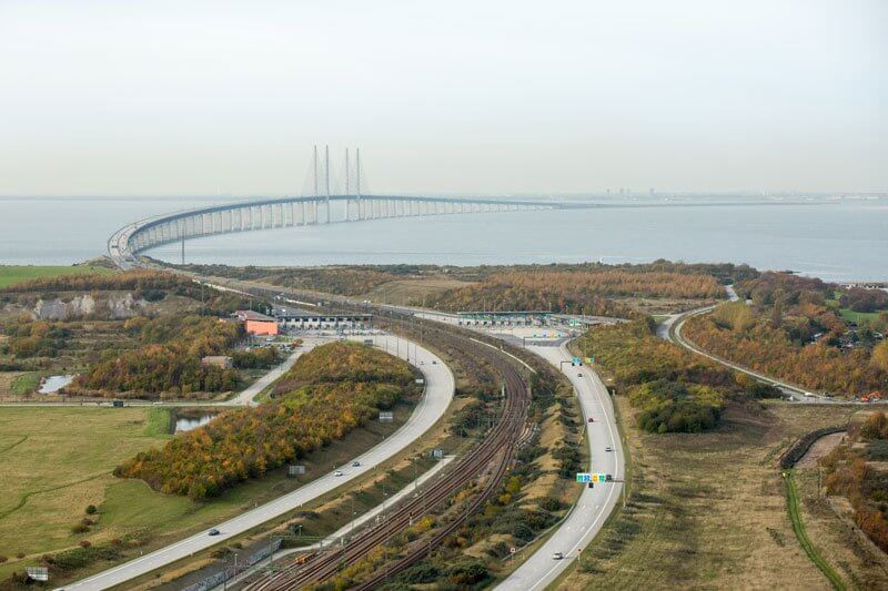 Bridge-that-turns-into-a-Tunnel-and-Connects-Denmark-and-Sweden-1