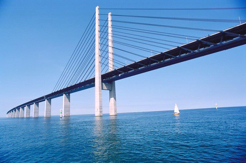 Bridge-that-turns-into-a-Tunnel-and-Connects-Denmark-and-Sweden-7