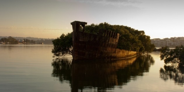 03-The-remains-of-the-SS-Ayrfield-in-Homebush-Bay-Australia-630x315