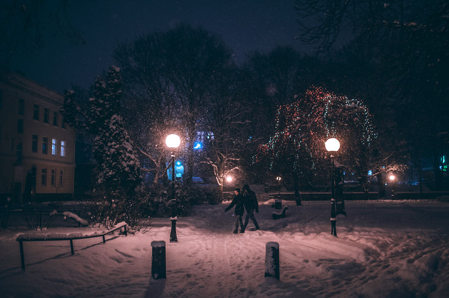 after-missing-my-bus-i-decided-to-walk-home-in-a-blizzard-and-photograph-my-city-tallinn-24__880