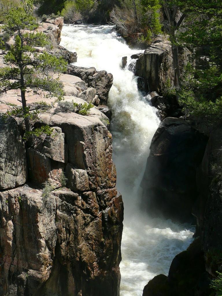 athabasca-falls-67276_1280