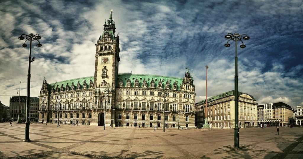 city-hall-hamburg-111846_1280