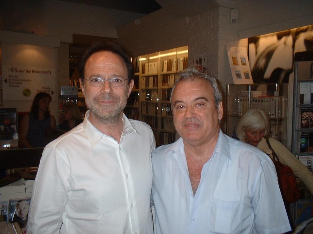 С Марк Леви, най-четеният автор във Франция, Димо Райков е добър приятел от няколко години.