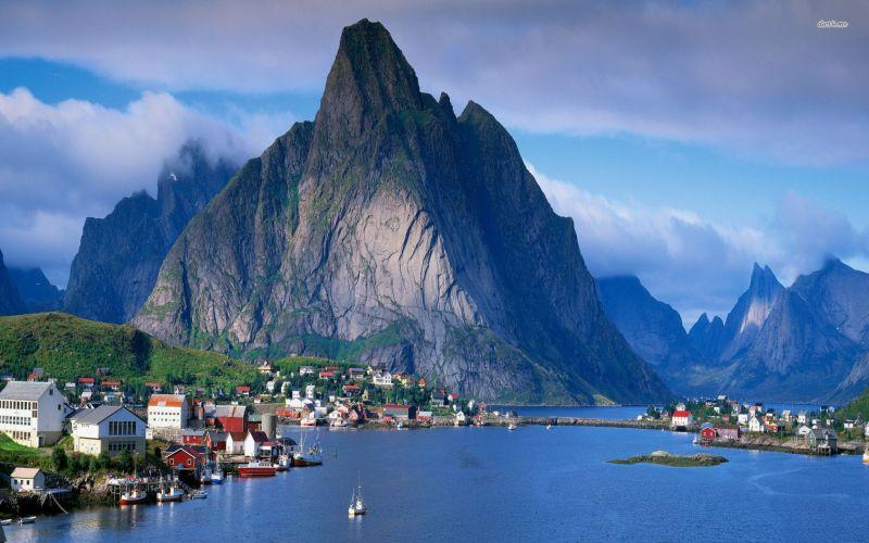 Reine-in-Lofoten-Norway