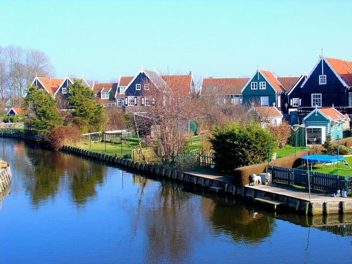 marken-village