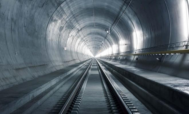 00-MAIN-parallax_story_8_tunnelsystem