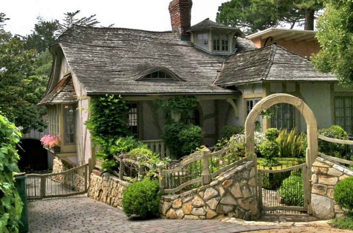 Carmel-by-the-Sea-United-States-1