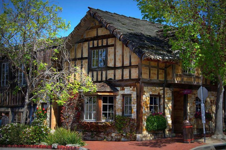 Carmel-by-the-Sea-United-States-11