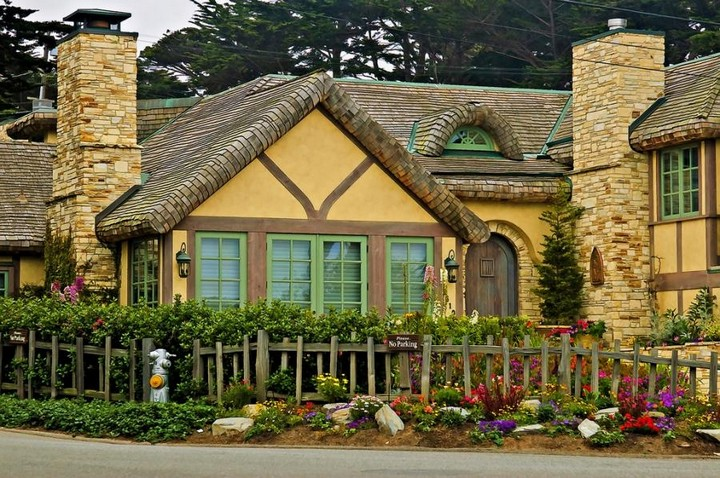 Carmel-by-the-Sea-United-States-9
