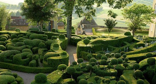 Gardens-of-Marqueyssac-Perigord-2-4