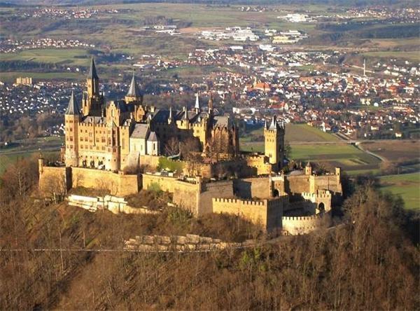 Hohenzoller-Castle1