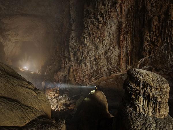 hang-son-doong-cave-vietnam-1