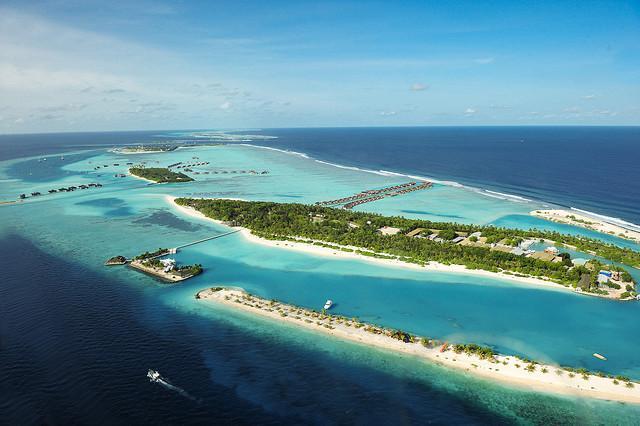 "Хотел ""Парадайс Айлънд"" (Paradise Island)"