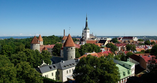 talinn_estonia-912315_640
