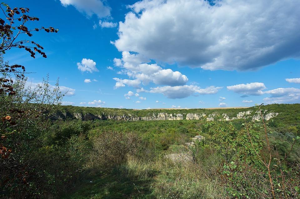 Ивановски,скални,манастири