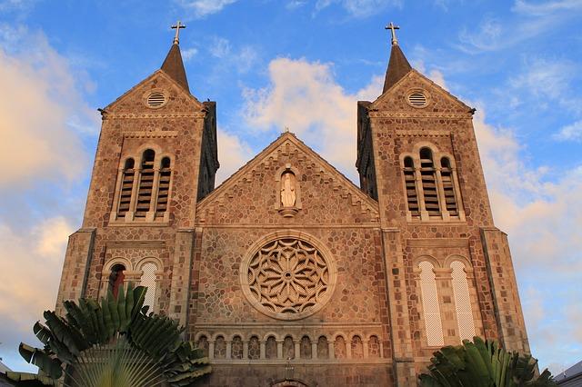 church-2085100_640