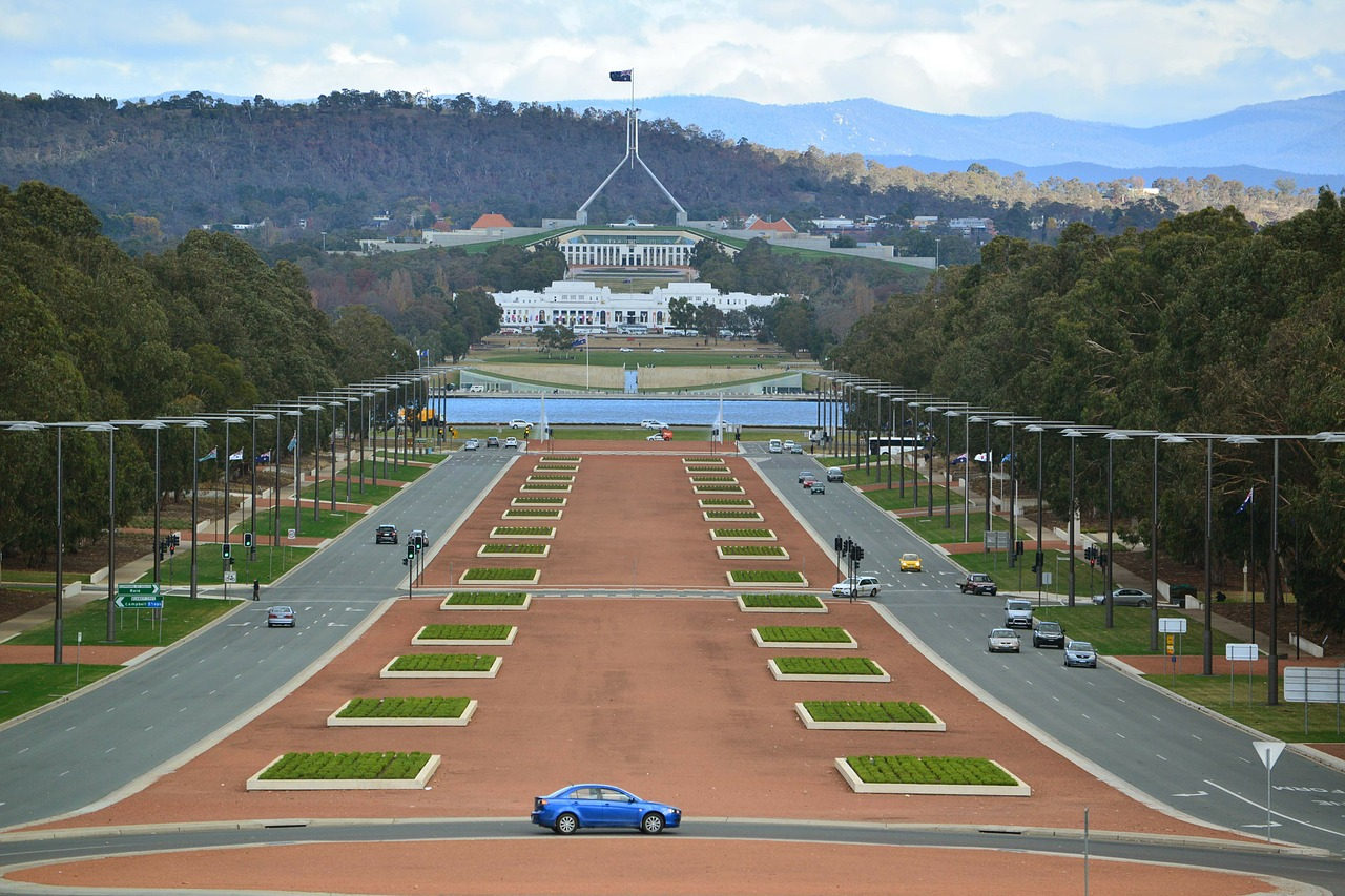 3-canberra-266338_1280