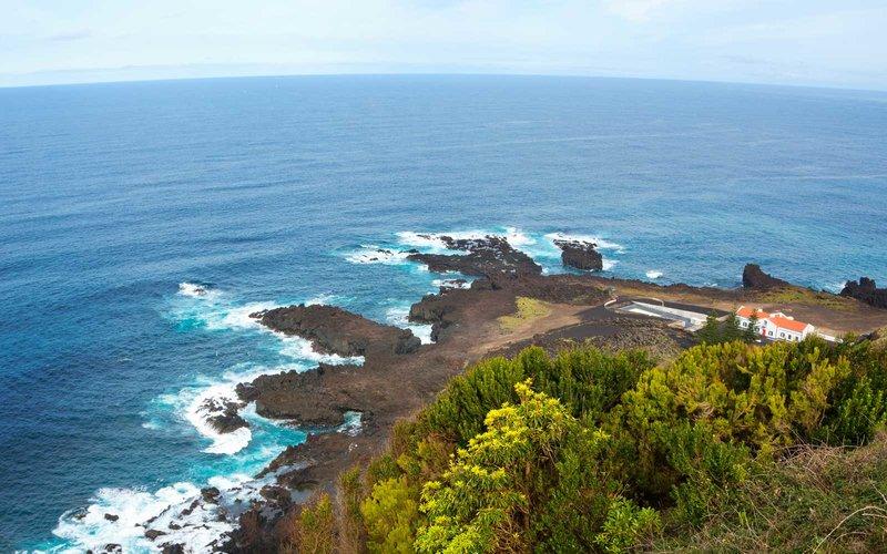 Portugal, Azores, Sao Miguel, Ponta da Ferraria, Pico das Camarinhas